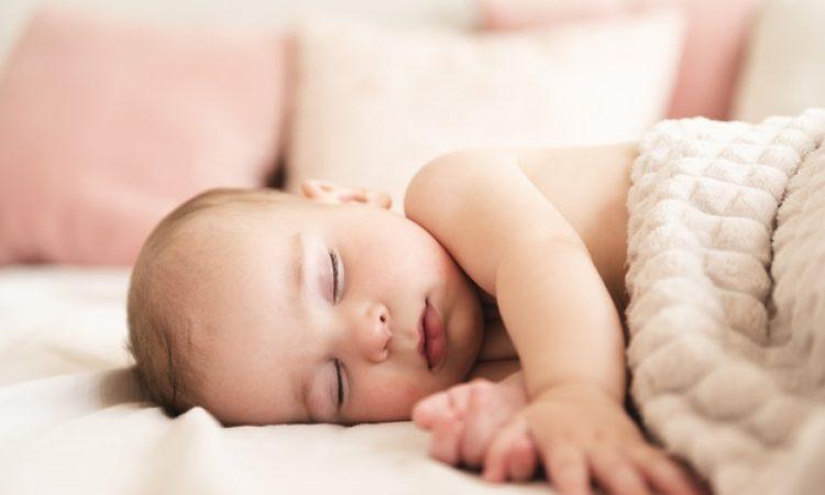 close-up-adorable-newborn-baby_23-2148337019